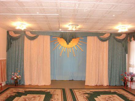 Музыкальный зал. Дизайн центрального ламбрекена №5.